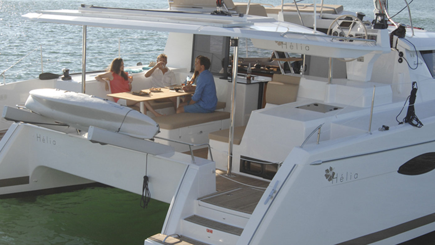 Catamaran Ella Fountaine Pajot 44 aft deck
